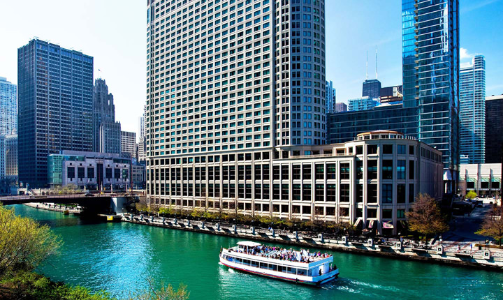 Book your stay at the Sheraton Grand Chicago